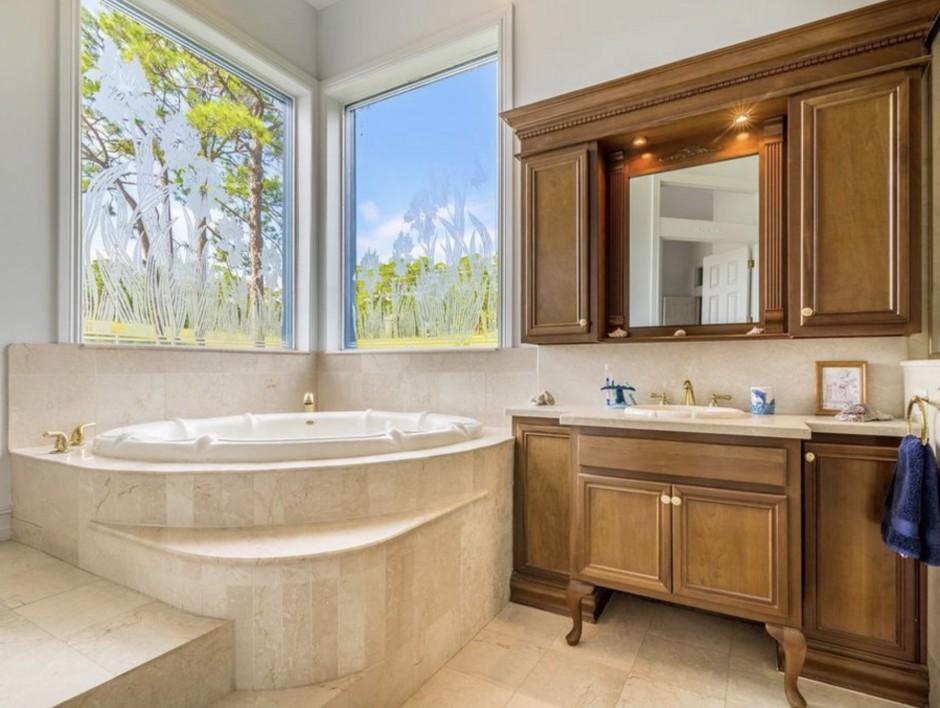 Mickey Mansion Bathroom 2