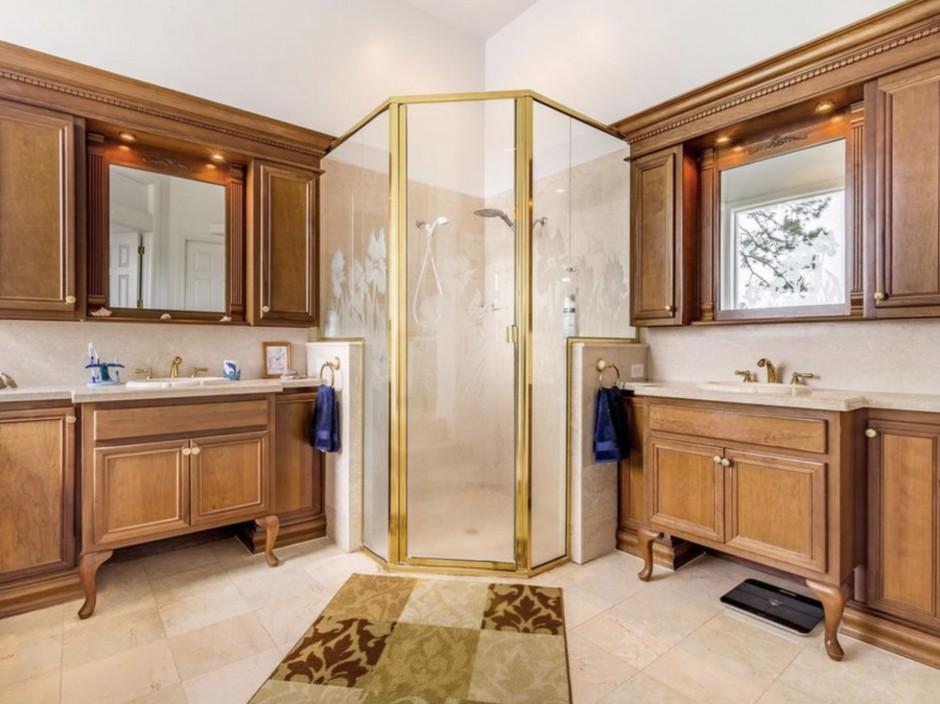 Mickey Mansion Bathroom 3