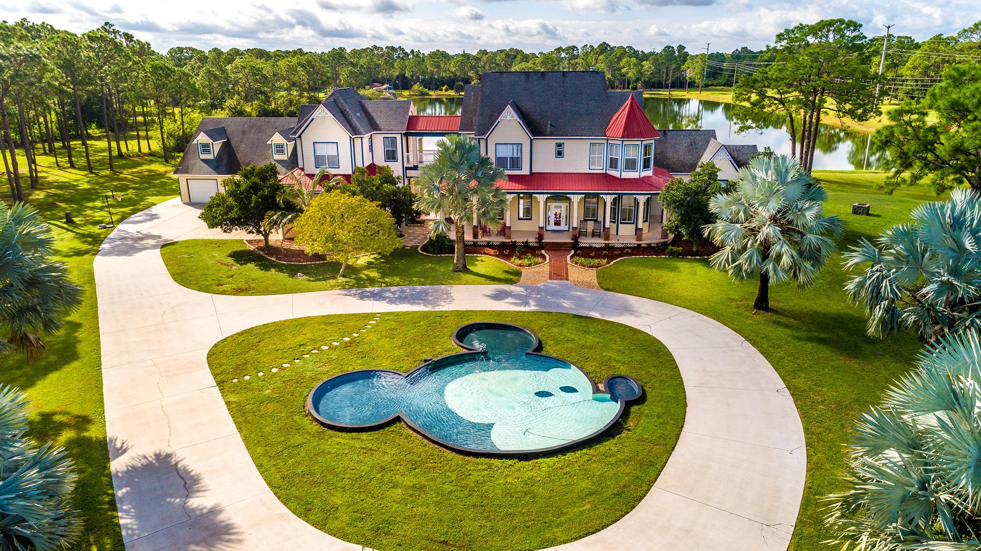 mickey mansion 1 5