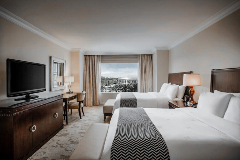 Sophisticated luxury at the Waldorf of the 50th anniversary of Disney World