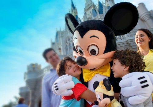Disney_MagicK_Family_2_1500px-1